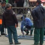 (ФОТО) СДСМ Прилеп: Вработени во Комуналец од Прилеп ја местат трибината на ВМРО-ДПМНЕ
