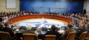 НАТО ќе ги ревидира односите со Русија