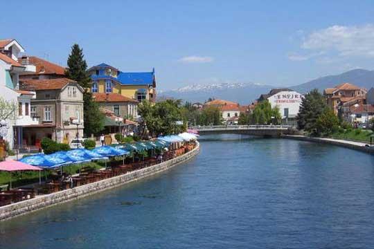 Туристи се пожалиле на труење со храна во хотел во Струга