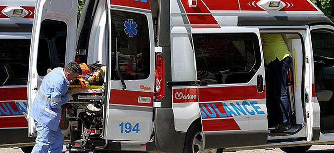Во сообраќајката во Куманово потешко повредени двајца албански државјани
