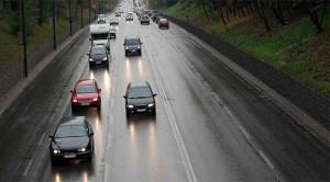 Сообраќајот се одвива по наместа влажни коловози