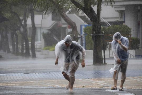 Засилен ветер и локални поројни врнежи во Македонија