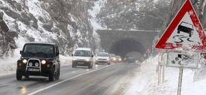 Снег на патиштата кај Крива Паланка  Плетвар и Делчево