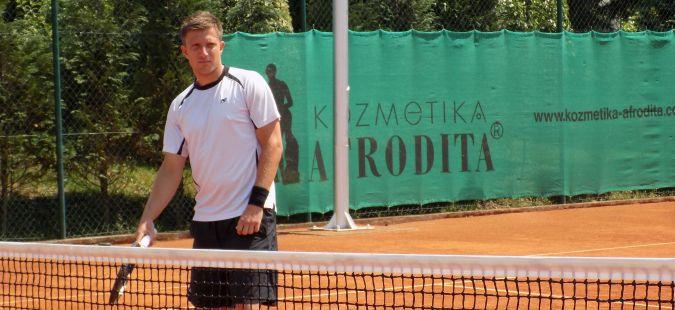 Пораз во сингл  победа во двојки за Јотовски на фјучрс во Анталија
