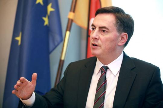 Мекалистер  Влијание на Балканот сакаат Русија  Турција  Кина