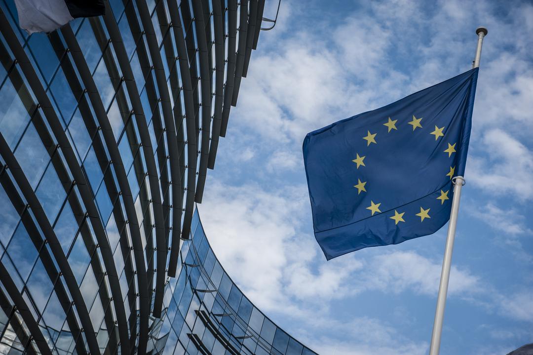 Европска комисија: ВМРО-ДПМНЕ блокира демократски процеси, Иванов е партизиран