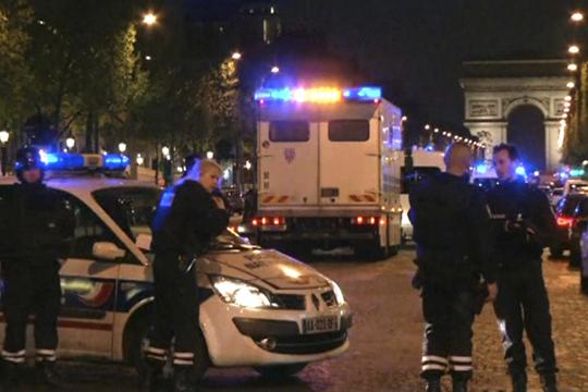 Францускиот печат за нападот на Шанзелизе  Заканата е постојана