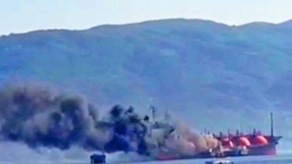Седум лица повредени во пожар на танкер во Мраморно Море