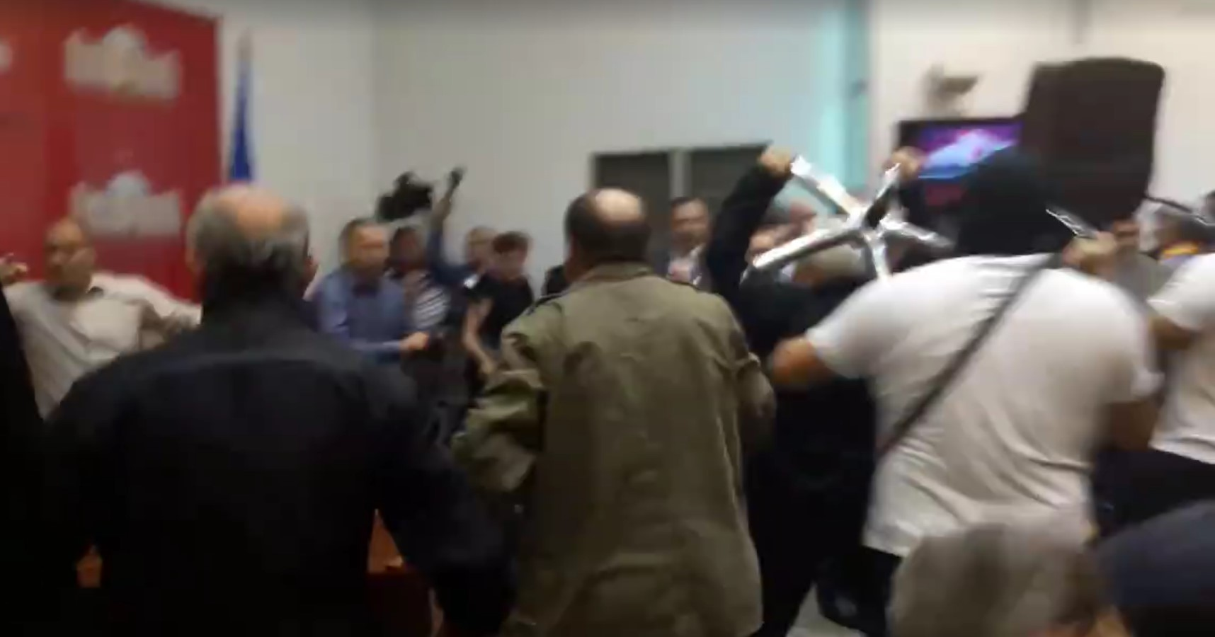 МВР бара притвор за Дамовски  Бетмен  Дурловски