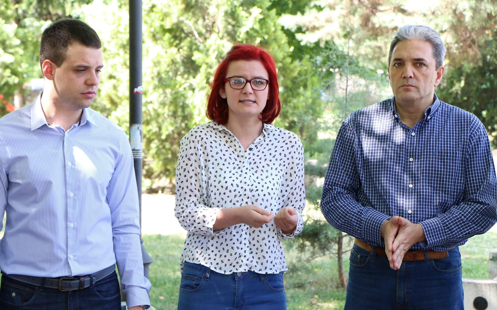 Пратеници на СДСМ на средба со матуранти и наставници  Екстерното тестирање да се укине уште годинава