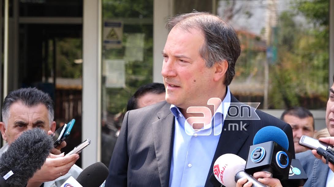 Жерновски оди во централната власт и станува дел од партијата на Заев