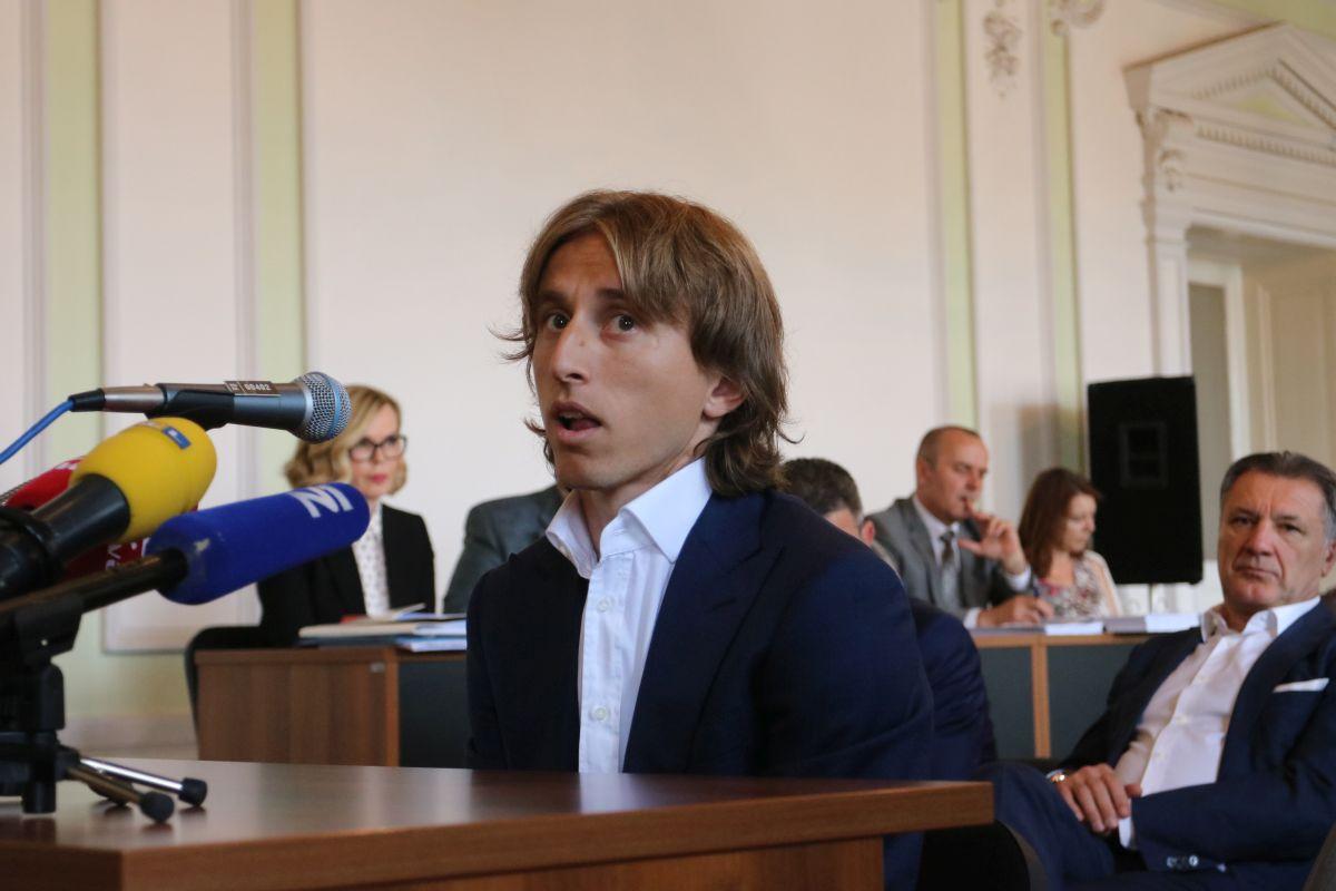 Хрватскиот фудбалер Лука Модриќ осомничен за лажно сведочење
