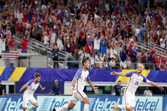 Фудбалерите на САД се први финалист на Голд Купот