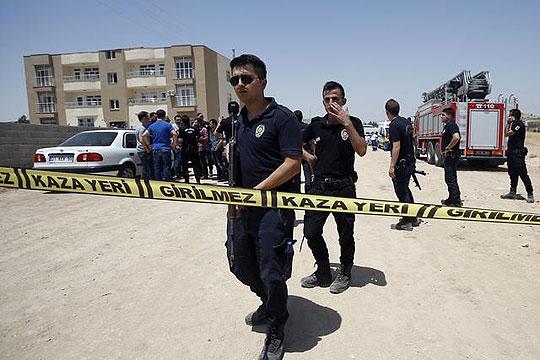 Седумнаесет војници повредени при експлозија во Турција