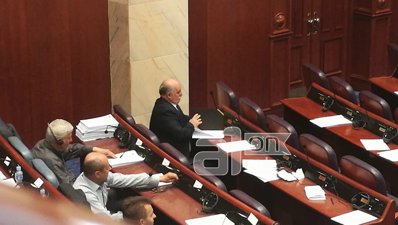 Продолжи расправата во Собранието за разрешувањето на Зврлевски