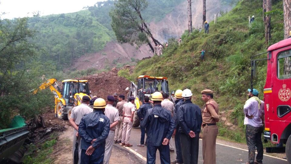 Индија  Во одрон загинаа 7 лица  а повеќе од 30 се водат како исчезнати