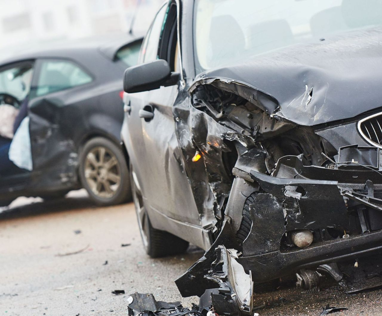 Две лица повредени во сообраќајка во Кавадарци