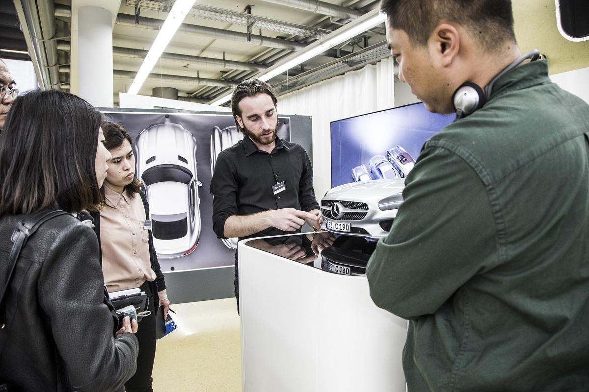 Mercedes Benz електромобилот на Македонецот Таневски  главна атракција на саемот во Франкфурт