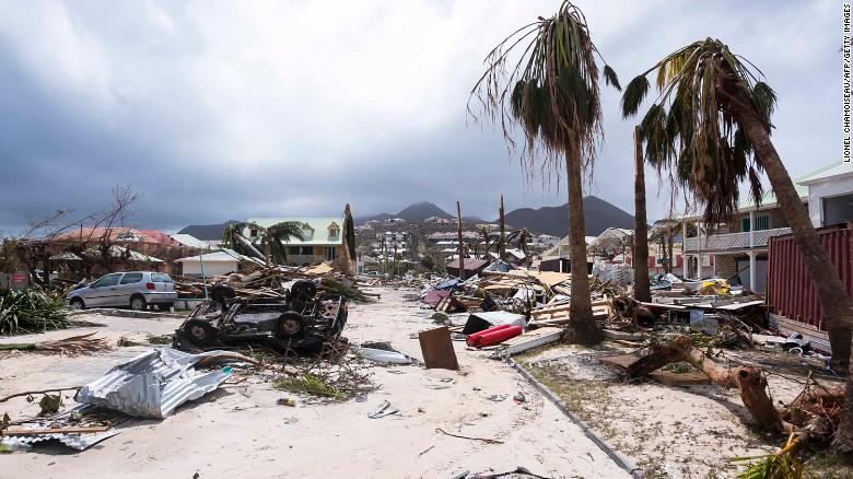 Во налет на ураганот Ирма загинаа вкупно 55 луѓе