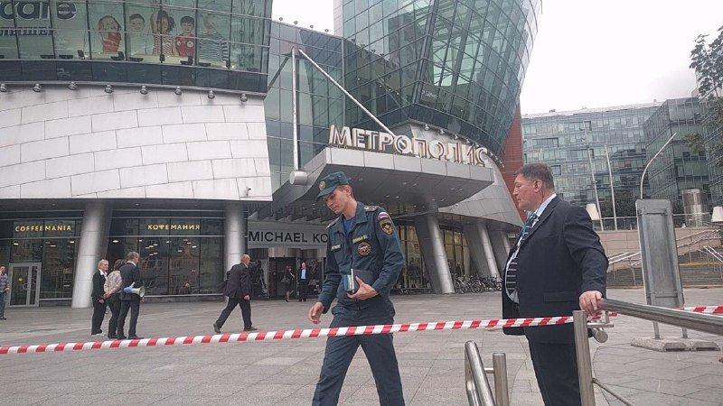 Повеќе од 20 илјади луѓе евакуирани во Москва поради анонимни пријави за бомба