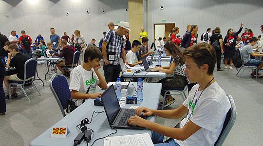 Македонски ученици освoија медали на Балканската и на Европската олимпијада по информатика