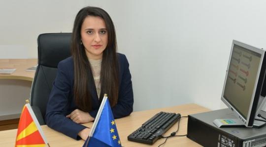 Поранешната директорка незаконски трошела на смета на скопскиот Центар за вработување