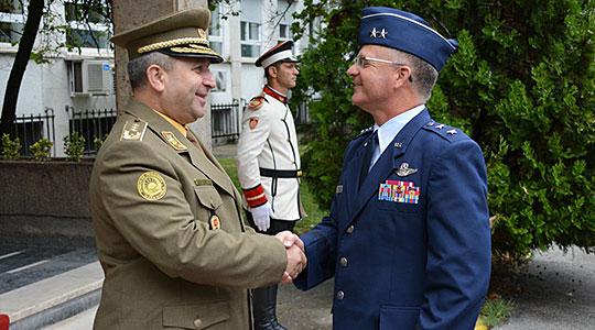 Воена делегација на НГ Вермонт во посета на РМ