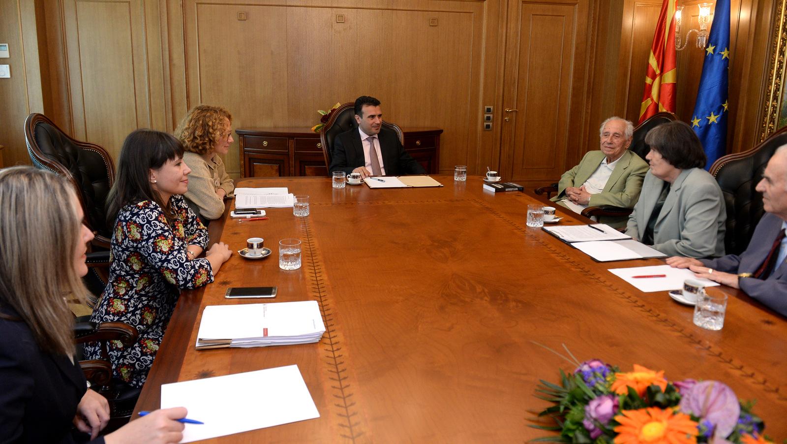 Заев вети средства за Сојузот на борци на Република Македонија за да продолжи да се негува традицијата и афирмираат придобивките од НОБ