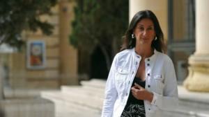 Асанж нуди 20 000 долари награда за наоѓање на убиецот на малтешката новинарка