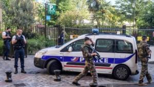 Во Франција уапсени 10 лица кои планирале убиства на политичари