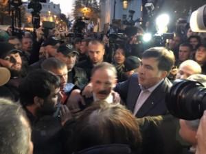 Пратеникот Олег Барна нападнат за време на протестите во Украина