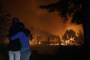 31 загинат во пожарите во Калифорнија