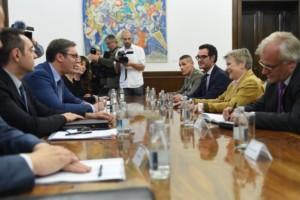 НАТО прифаќа Србија да биде воено неутрална