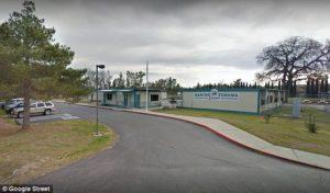 Најмалку тројца загинати во пукање во училиште во Калифорнија