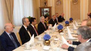 Заев на работен појадок со стопанственици на Република Словенија  Новите владини економски политики во делот на странските инвестиции се добра средина за развој на бизнис иницијативите од Словенија