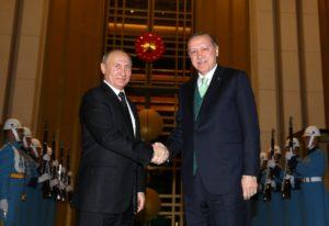 Путин пристигна во Анкара на средба со Ердоган