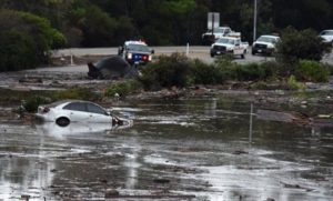 Досега 18 загинати поради одроните во Калифорнија
