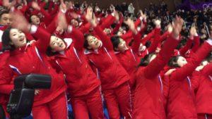 Како  Армијата на убавици  на Ким Џонг ун ги бодри севернокорејските спортисти во Пјонгчанг