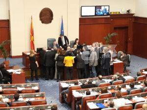 СДСМ  Случувањата во Собранието потврдија дека Груевски стои зад обидите за блокадата на Собранието  а Мицкоски е само негова марионета