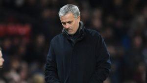 Навивачите на Манчестер Јунајтед бараат Мурињо да си замине