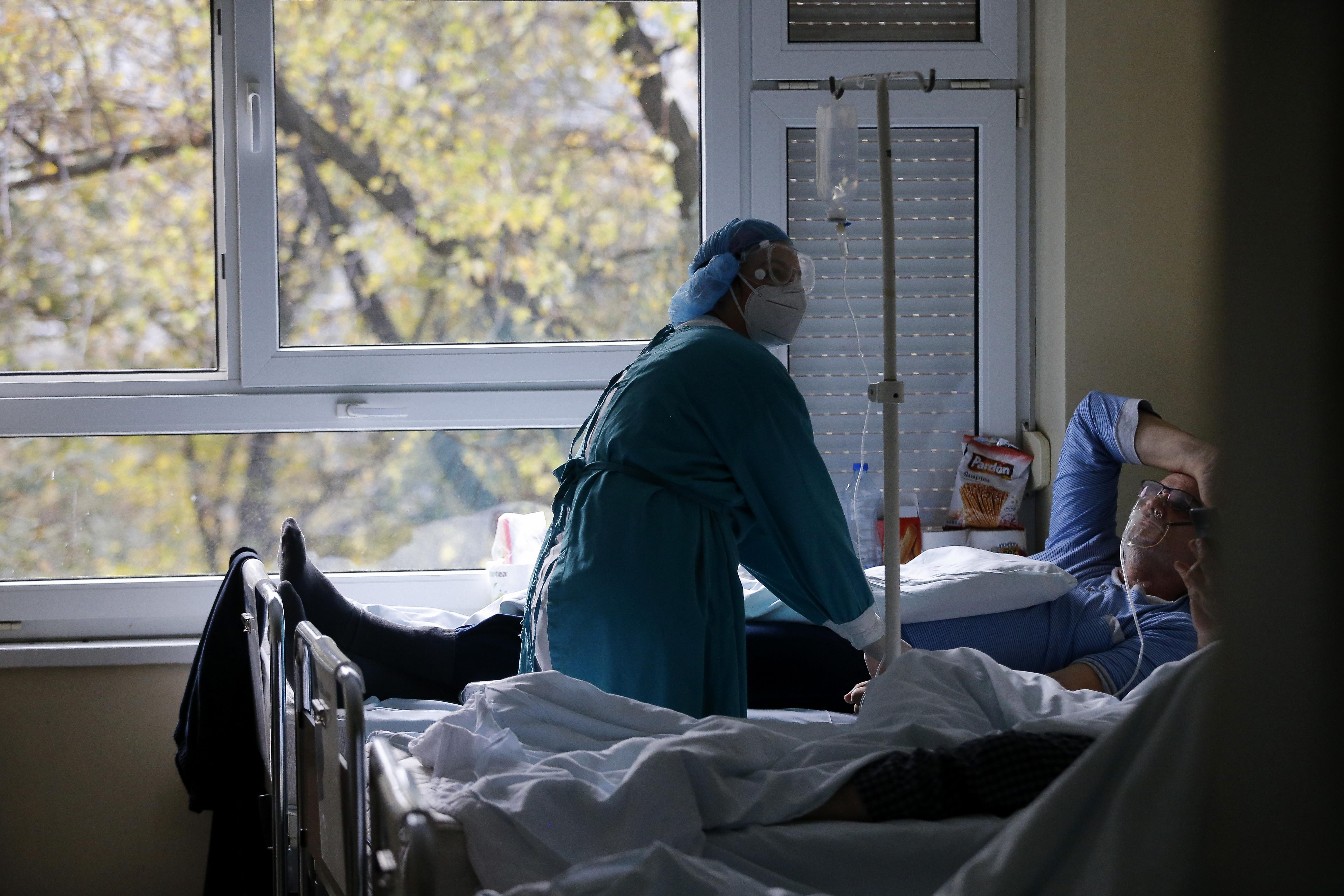 Во ковид центрите во Скопје за 24 часа се хоспитализирани 27 пациенти