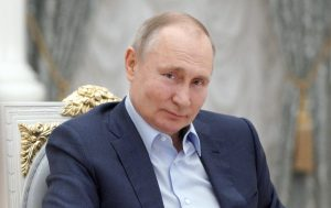 Нема побезбедни и поефективни вакцини од руските, се пофали Путин